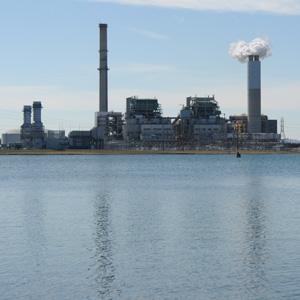 Duke Energy's Asheville plant. Micah Wilkins/Carolina Public Press